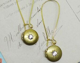 Memento Earrings // 1950s Vintage Gold Locket Drop Earrings with Swarovski Crystals Midcentury Pinup Girl Art Deco Mother Bride Retro Boho