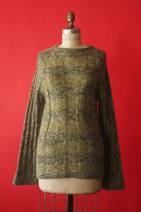 Vintage 60's/70's Avocado Green Knit Bell Sleeve P