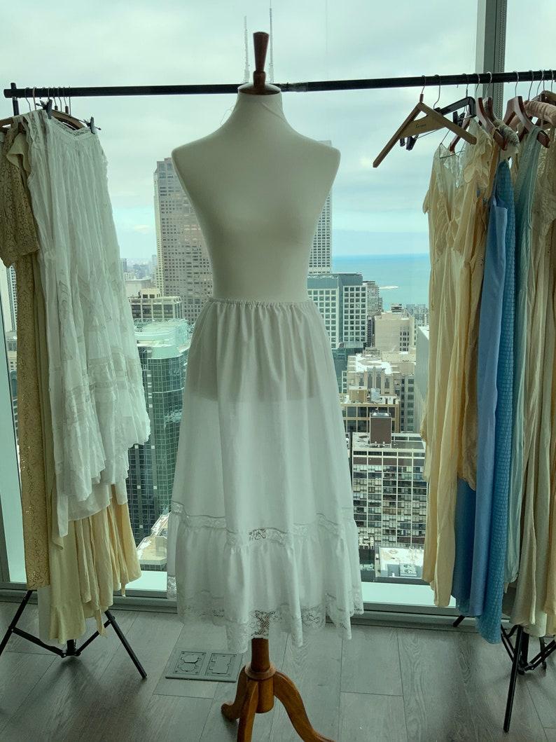 Vintage Petticoat Vintage Praire Skirt 70s does Victorian White Skirt 70s does Victorian petticoat Vintage White Skirt with Lace Hem