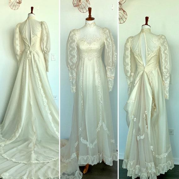 70s Wedding dress - 1970s Wedding Dress - Long Sle