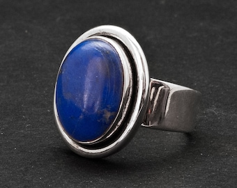 Lapis Lazuli Ring, Blue Gemstone Sterling Silver Ring, Contemporary Blue Lapis Ring, Everyday Blue Ring, Natural Lapis Lazuli Jewelry