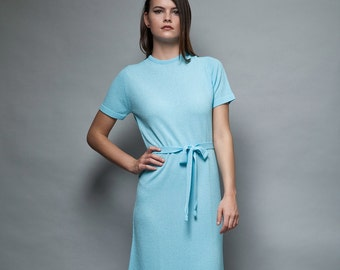 blue knit dress belted sash ascot textured knee length short sleeves vintage 60s S M small medium