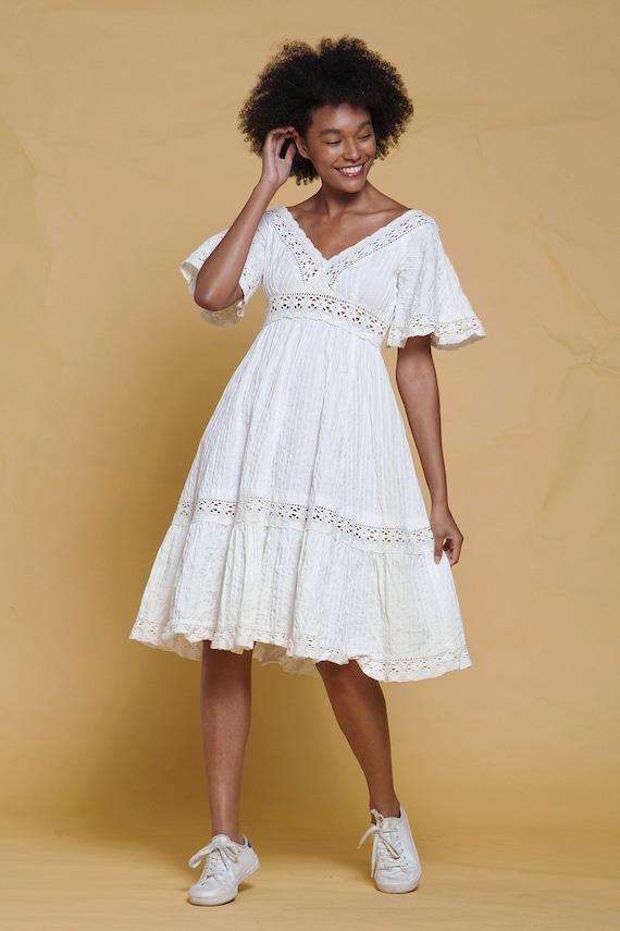 boho cotton dress cream lace trim angel butterfly sleeves bohemian bride Lillie Rubin vintage 70s SMALL MEDIUM S M