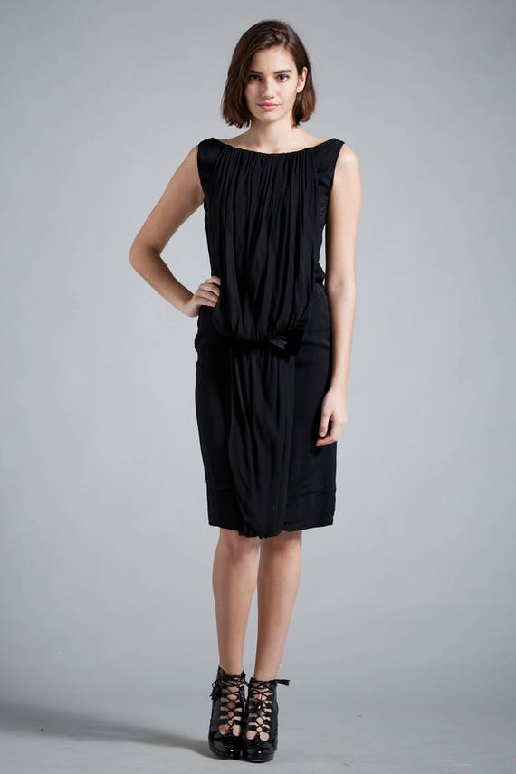 vintage 40s does 20s LBD little black cocktail dress drop waist gathered flapper style sleeveless SMALL S