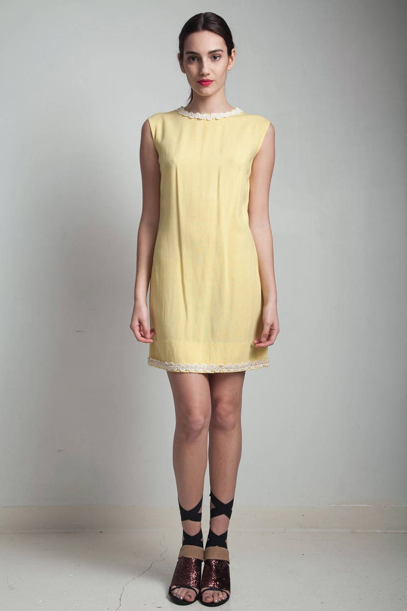b501d22ae5 Vintage 60s shift mini dress yellow linen mod lace trim