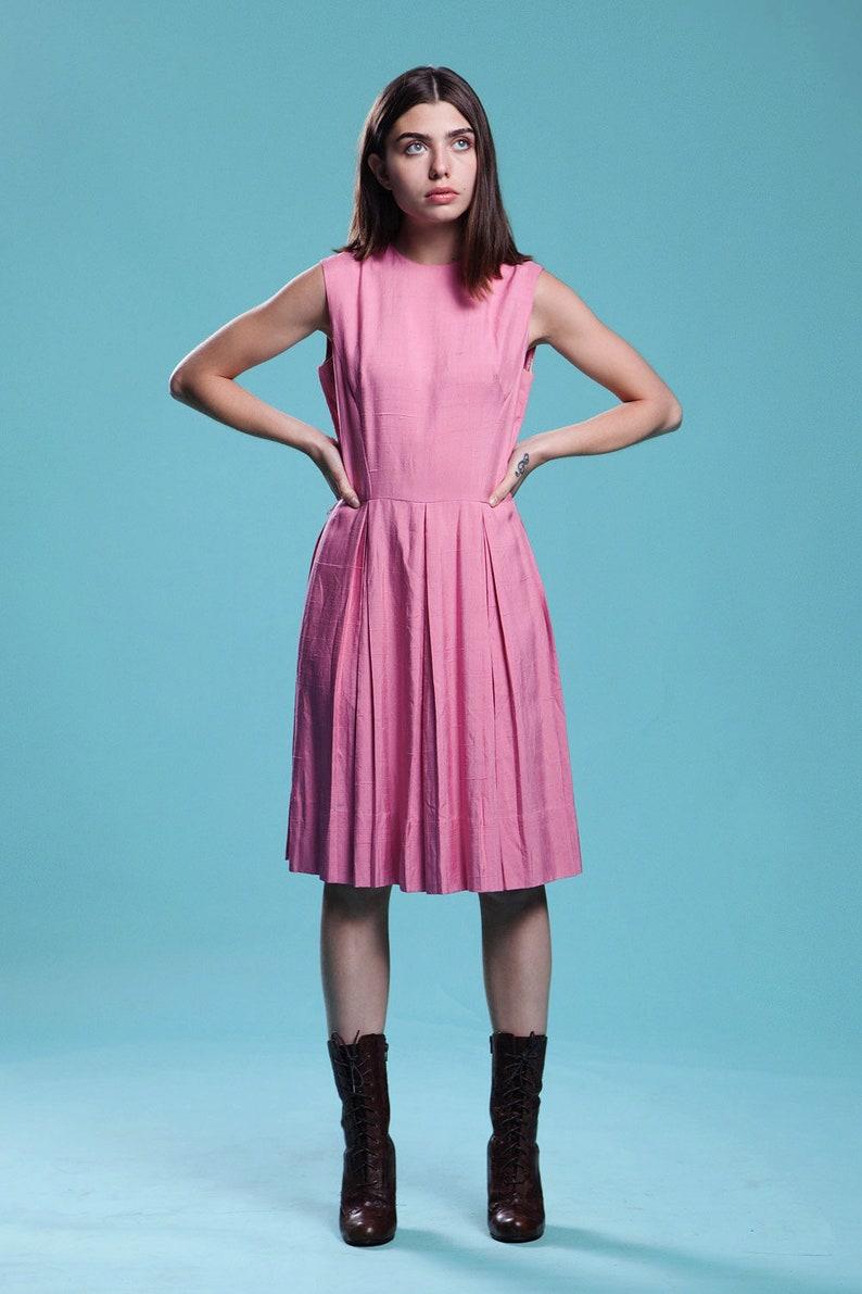 silk dupioni dress pleated pink sleeveless knee length vintage 60s MEDIUM M
