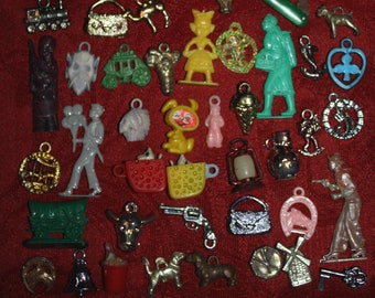 Lot of 80 Vintage Cracker Jack Gumball Machine Toys, Prizes from the 1950s - 1960s