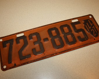 Vintage 1927 State of Illinois Automobile License Plate; Auto Tag with State Map; 723-885