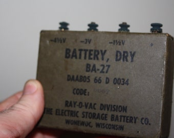 Vintage US Military Dry Cell Battery BA-27 Ray-O-Vac Electric Storage Battery Co.