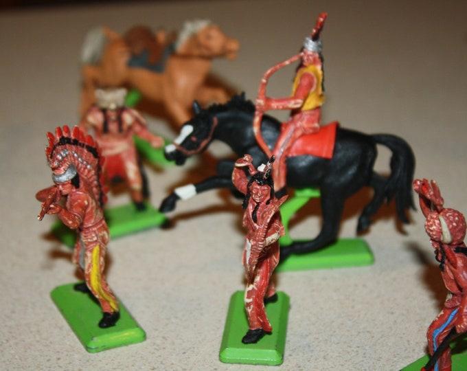 Lot of 30 Vintage Cowboy & Indian Figures Britains Ltd Deetail, Herald