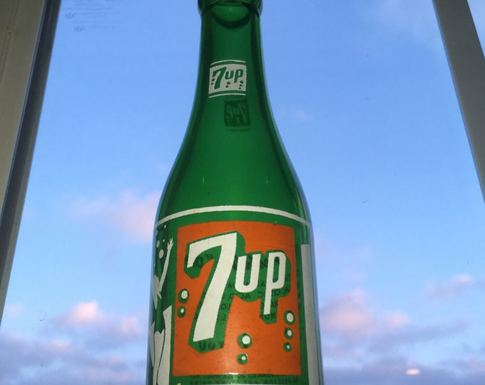 Vintage 1948 7up Soda Pop Bottle