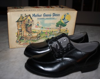 Vintage 1950s Mother Goose Children's Shoes with Original Nursery Rhymes Box; NOS Old Stock