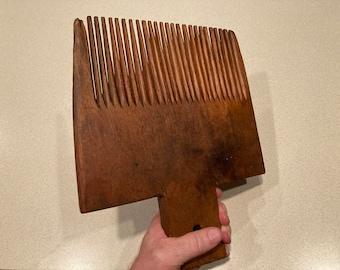 Antique Primitive 1-Piece Wooden Wool Carding Comb, 19th Century
