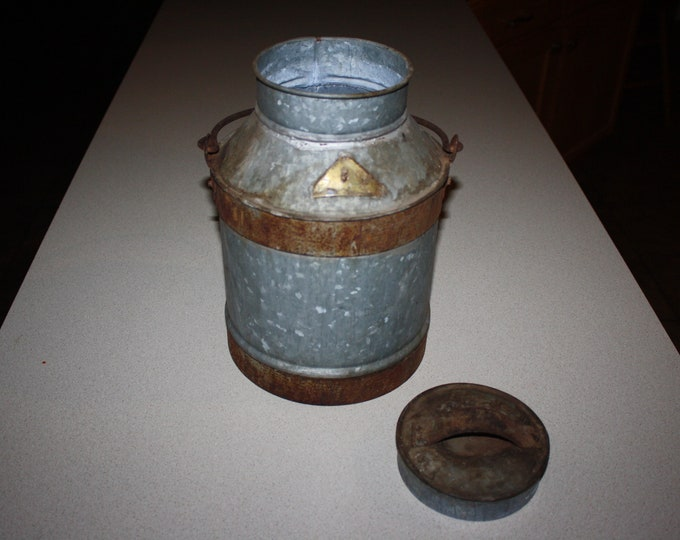 Antique Banded Galvanized Steel Milk Pail with Cover; Old Metal Milk Can with Bale Handle