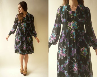 d0ee1e1609 1970's Vintage Floral Bouquet Printed Chiffon Midi Tea Dress Size Small