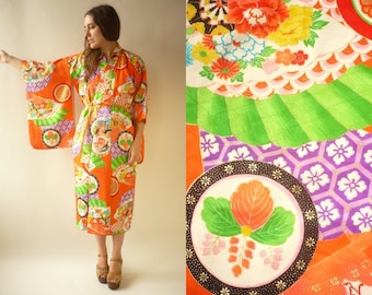 c25c02ef2b 1970's Vintage Japanese Novelty Floral Print Antique Kimono Robe Duster  Jacket