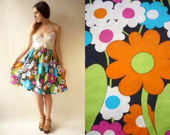 1970's Vintage Psychedelic Floral Printed Mini Skirt Size Small