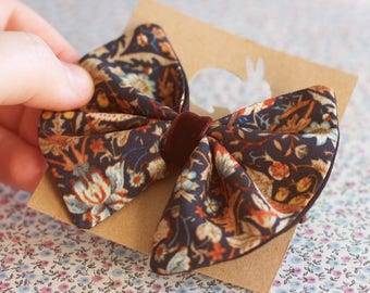 Bow elastic holder for hair. Bow tie for kids. William Morris bow headband.Hair elastic. Ponytail holder for girls, Art Nouveau accessories