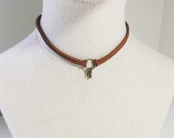 Key Ring Choker, Adjustable Brown Suede Chocker, Eternity Infinity Bronze Circle Charm Leather Necklace, Bohemian Style Keys Pendant