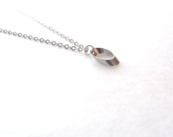 Tiny Oval Necklace, Minimalist Necklace, Delicate Necklace, Small Geometric Silver Necklace