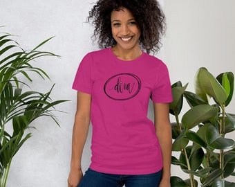 Diva T-Shirt with Cute Gold Star, Hand Lettered, Modern Calligraphy, Ovals, Short-Sleeve Unisex Style T-Shirt, Diva Tee