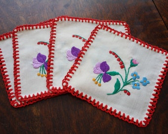Hungarian Embroidery Kalocsa Set of 4 Doilies/Hot Pads/Applique Patches