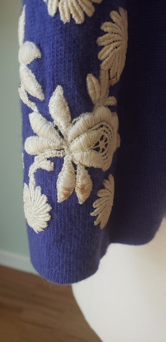 1950s Helen Bond Carruthers Embroidered Cashmere … - image 6