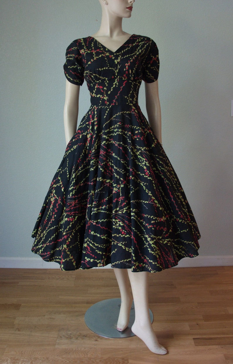 bb2dc2925cc1 1950s Vicky Vaughn Dress   50s Dress   Pussywillow Print and