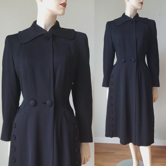 Deco 1940s Fine Wool Princess Fit and Flare Coat /
