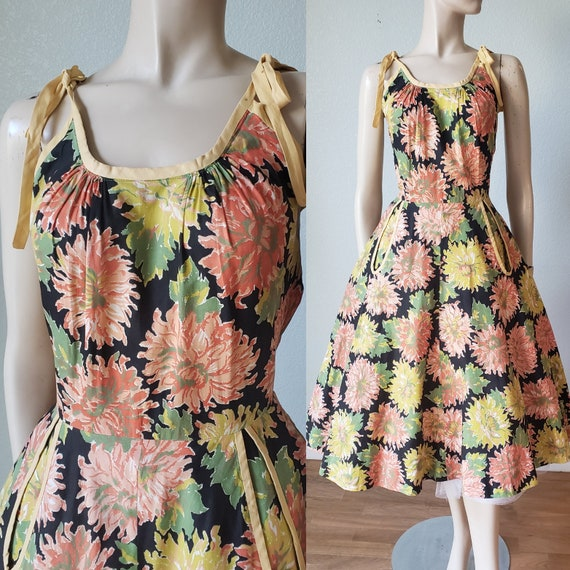 Bright and Pretty 1950s Cotton Summer Dress with T