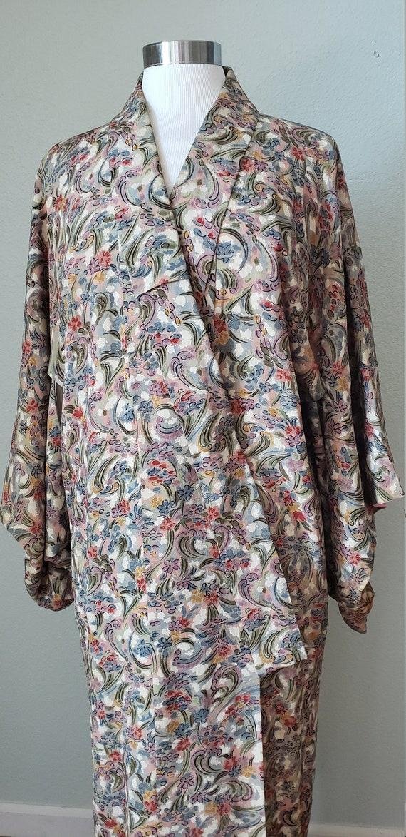 Unique Print 1950s Silk Kimono Robe / Novelty Met… - image 3