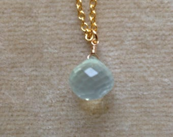 Pale Green Quartz Faceted Onion Briolette, Gold Filled Chain Minimal Layering Necklace 1101