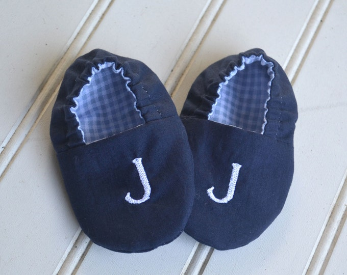 Monogrammed Reversible Infant Crib Shoes - Choice of Colors - Baby Boy, Shower Gift, Welcome Baby, Slippers