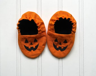 Jack-O'-Lantern Infant Crib Shoes - Baby Boy, Baby Girl, Shower Gift, Welcome Baby, Slippers, Halloween Shoes, Baby Halloween Accessories