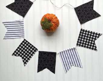Skull & Pinstripe Bunting - Halloween Garland, Halloween Bunting, Fall Family Photos, Halloween Party Accessories, Halloween Decorations