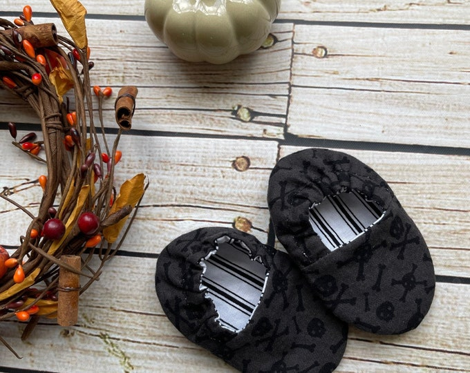 Skull& Pinstripe Infant Crib Shoes - Baby Boy, Baby Girl, Shower Gift, Welcome Baby, Slippers, Halloween Shoes, Baby Halloween Accessories