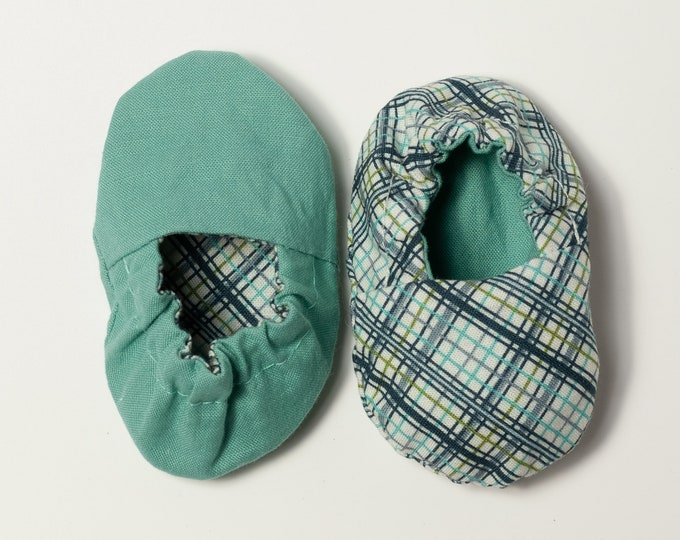 Adorable Reversible Infant Crib Shoes - Baby Boy Favorites - Shower Gift, Welcome Baby, Slippers