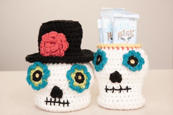 Crochet Sugar Skull - Free Pattern (With images) | Crochet skull ... | 380x570