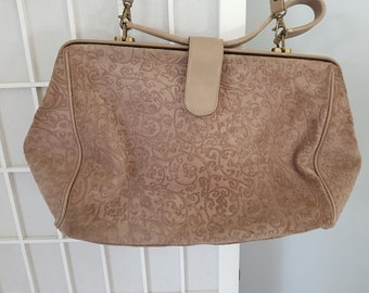 1d6a062b6ce5 Vintage Italian Soft Leather Embossed Ladies Taupe Hand Bag