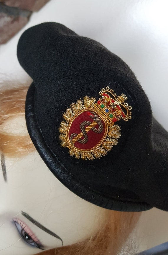 Coat of Arms Wool Vintage Beret - image 3
