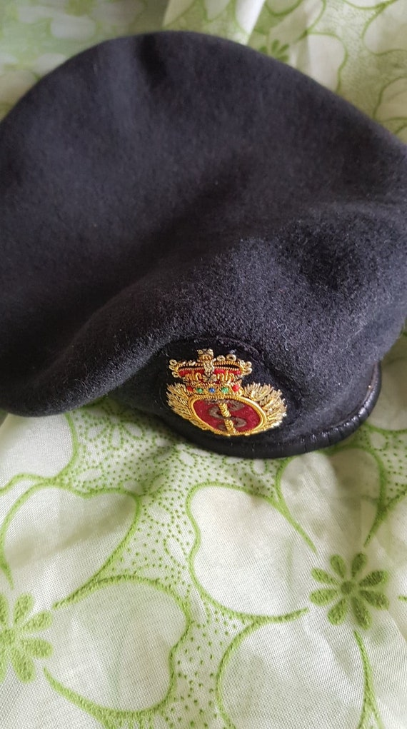 Coat of Arms Wool Vintage Beret - image 5