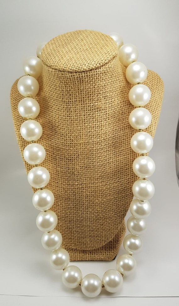Large Vintage Bobble Faux Pearl Necklace with Pear