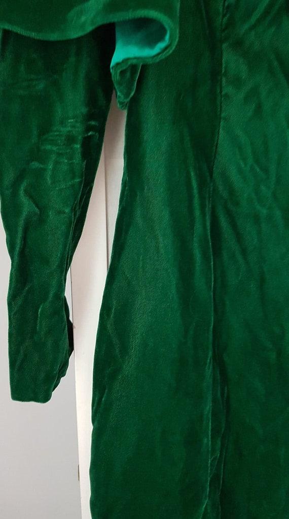 Green Velvet Vintage Medieval Dress - image 3