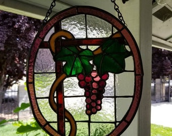 Stained glass suncatcher, grapes, grapevine