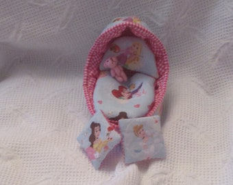 """OOak Bassinette to fit 4 to 5"""" Ooak Doll Baby Sculpt, silicone, reborn"""