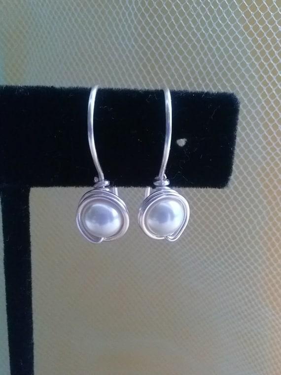 Swarovski Pearl earrings, in white or ivory, 6mm, bridesmaid , brides earrings