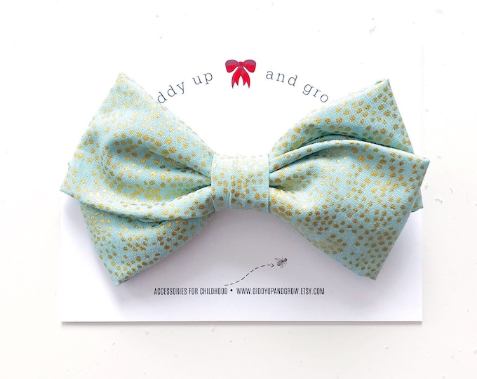 Oversize Christmas Bow in pale Blue, North Star, giddyupandgrow