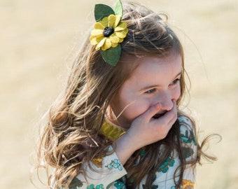 Daisy Flower Headband or Alligator Clip // Black Eyed Susan, giddyupandgrow
