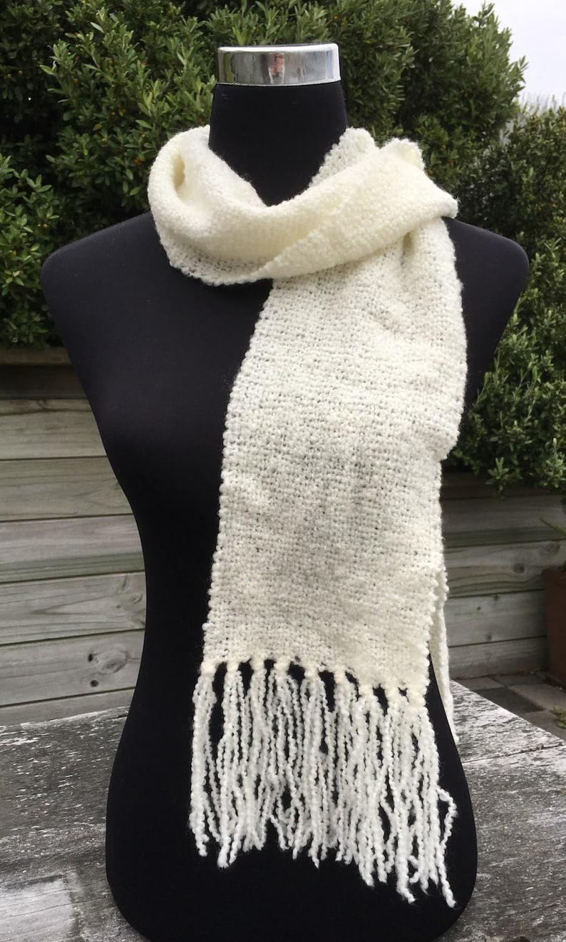 ff5c95b9dacc Écharpe en laine mérinos blanc tissé à la main