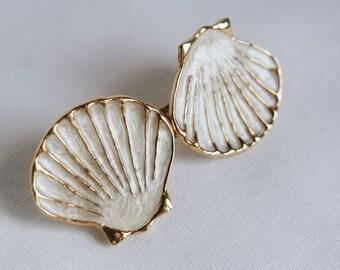 oyster hairclip- free shipping